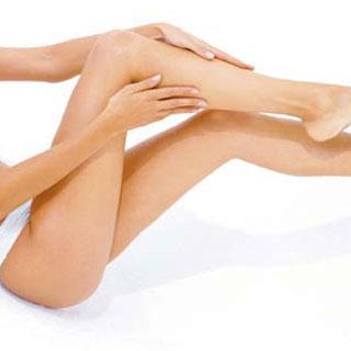Glatte schöne Beine bei Alexia Höfinger Beauty Lounge & Spa